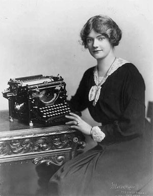 Woman with Underwood typewriter
