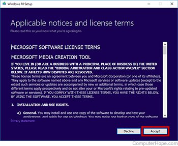 Accept the Media Creation Tool license