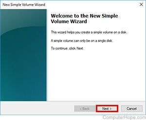 Screenshot: Click Next to begin the Simple Volume wizard.