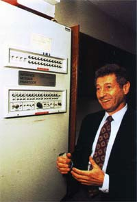 Leonard Kleinrock and IMP packet switch, image courtesy of https://www.computerhope.com/issues/ch001016.htm